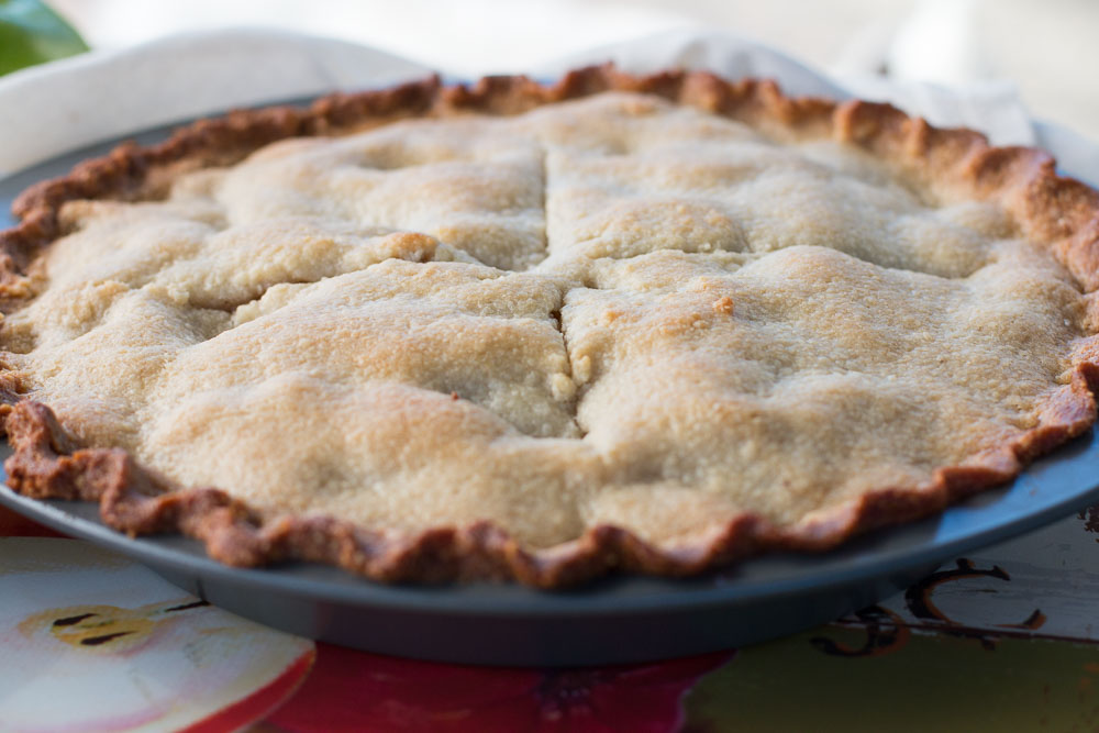 Cooling apple pie taunting you