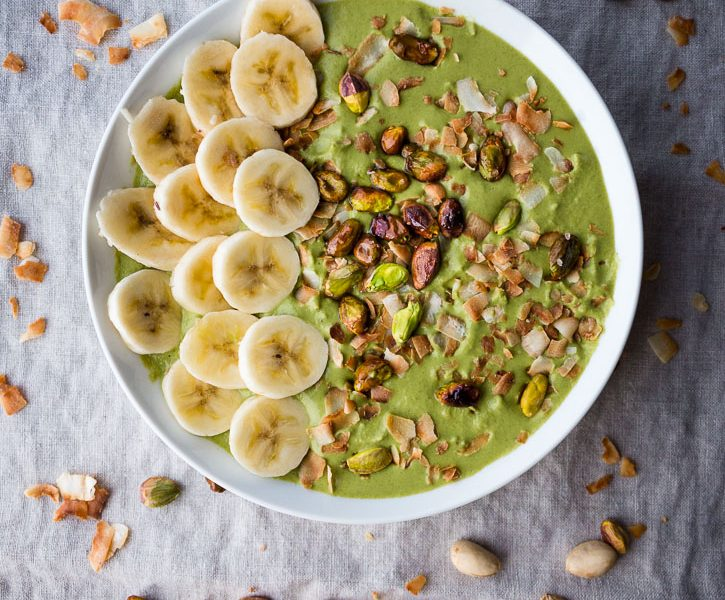 This Super Fast Blender Broccoli Pistachio Soup only uses three ingredients, can be assembled in 10 minutes or less, is velvety smooth, and tastes great cold or hot. Dress it up however you want, but a little toasted coconut, pistachios, and sliced bananas are amazing and easy options. | www.megiswell.com