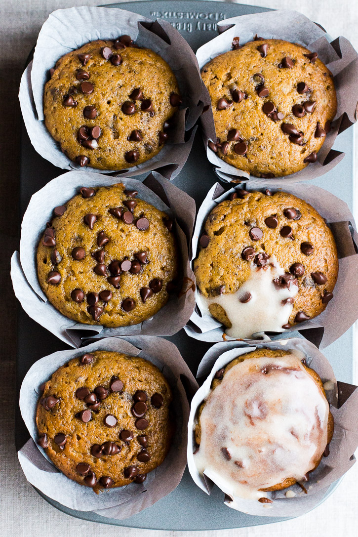 Pumpkin Muffins with Chocolate Chips and Tahini Glaze | www.megiswell.com