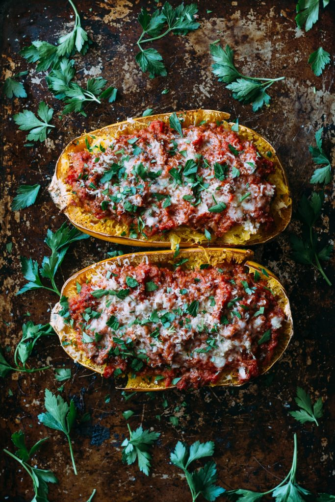(sponsored by Jennie-O) Spaghetti Squash Bowls with Turkey Sausage and Marinara Sauce: ditch the carbs and the fatty meat for a healthier meal that's just as flavorful. #spaghettisquash #turkey #marinarasauce #healthy | www.megiswell.com